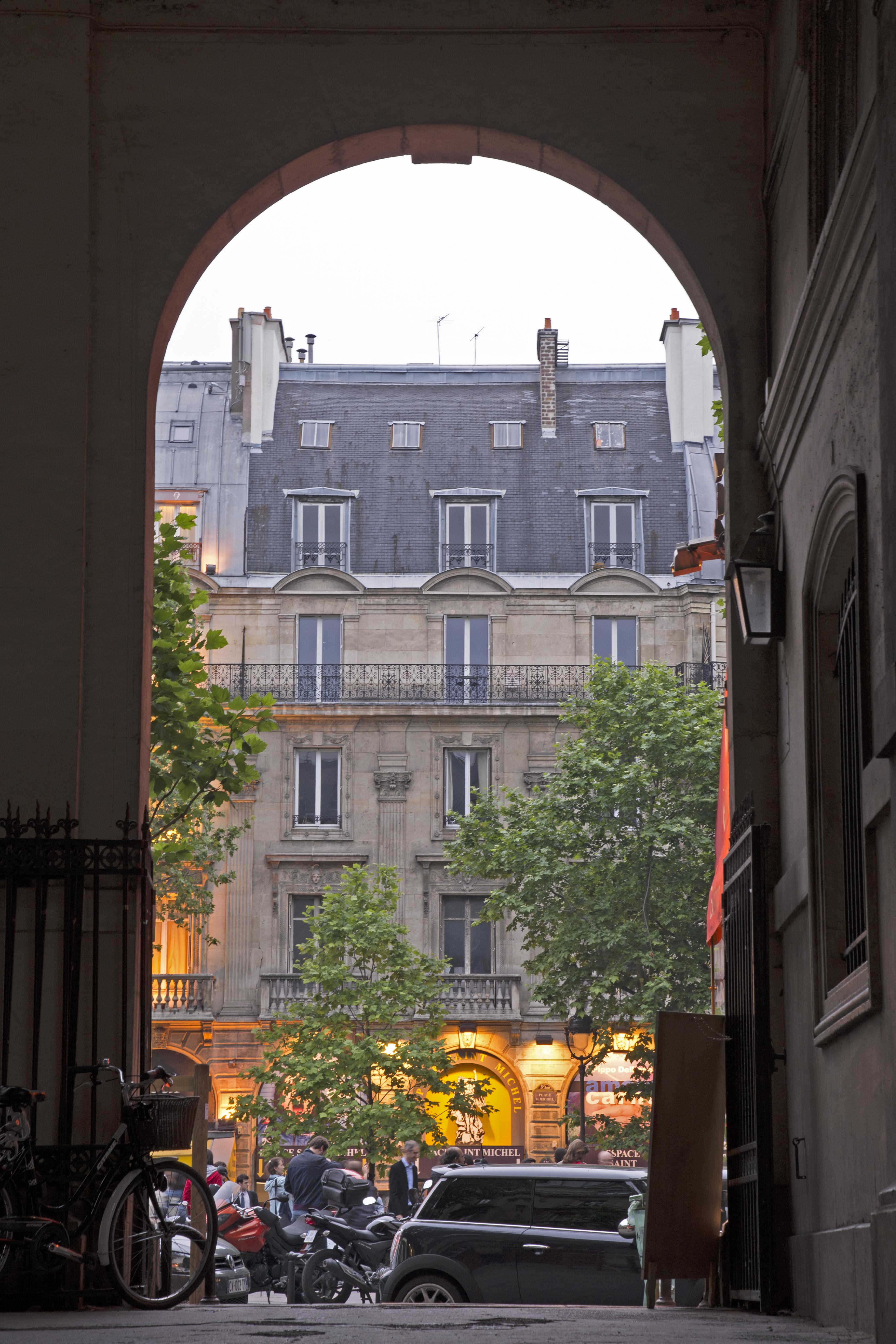 Peak a boo - Paris - 9390