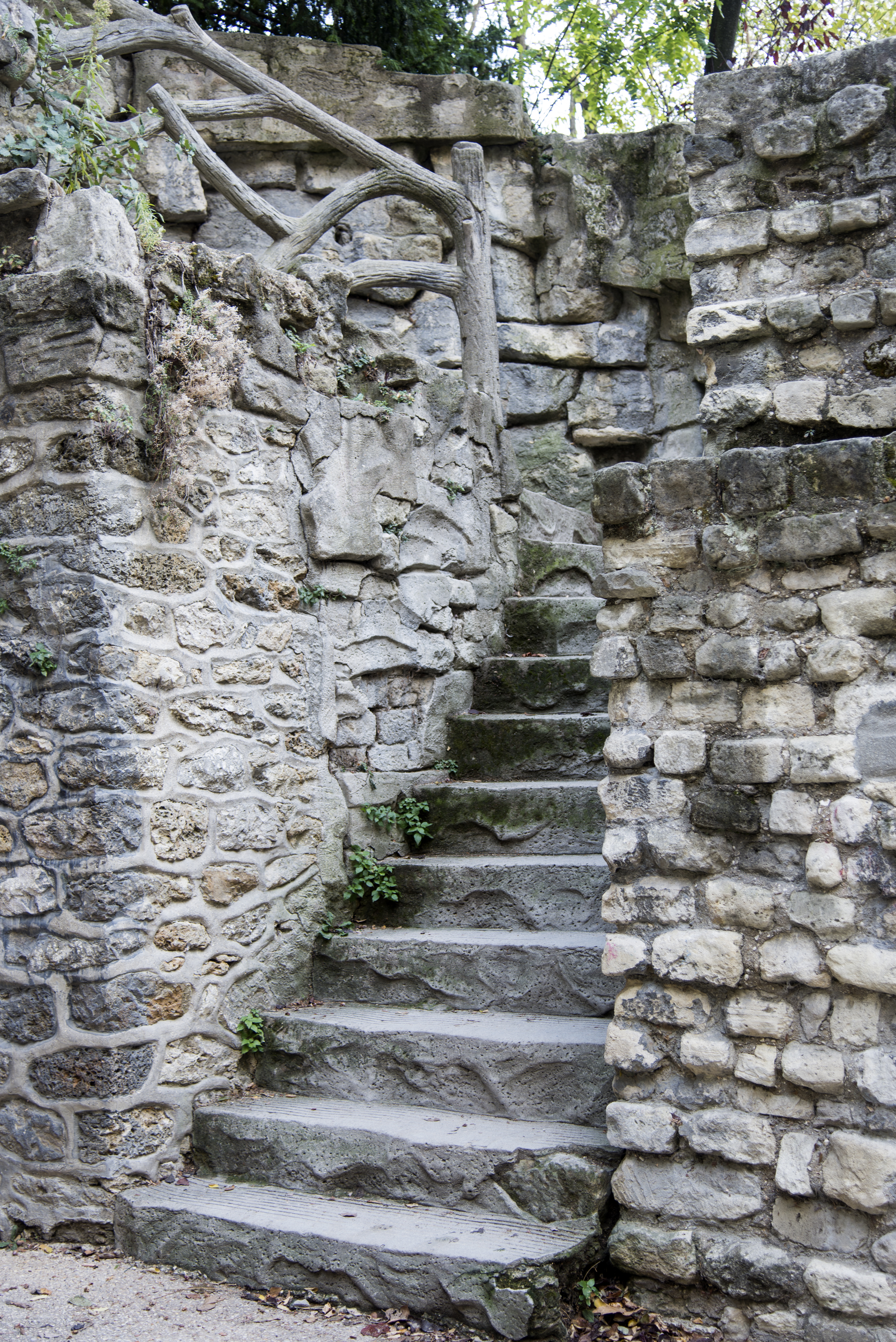 Stairwell Parking 3325