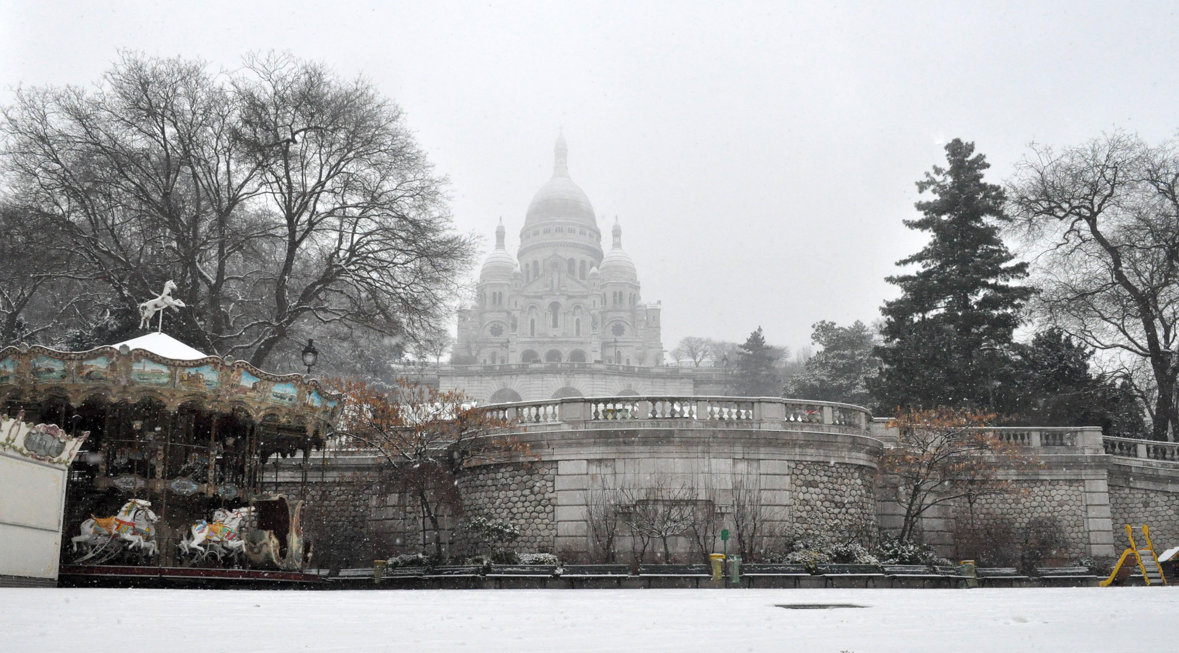 Sacred Heart Snow - Paris - 0051