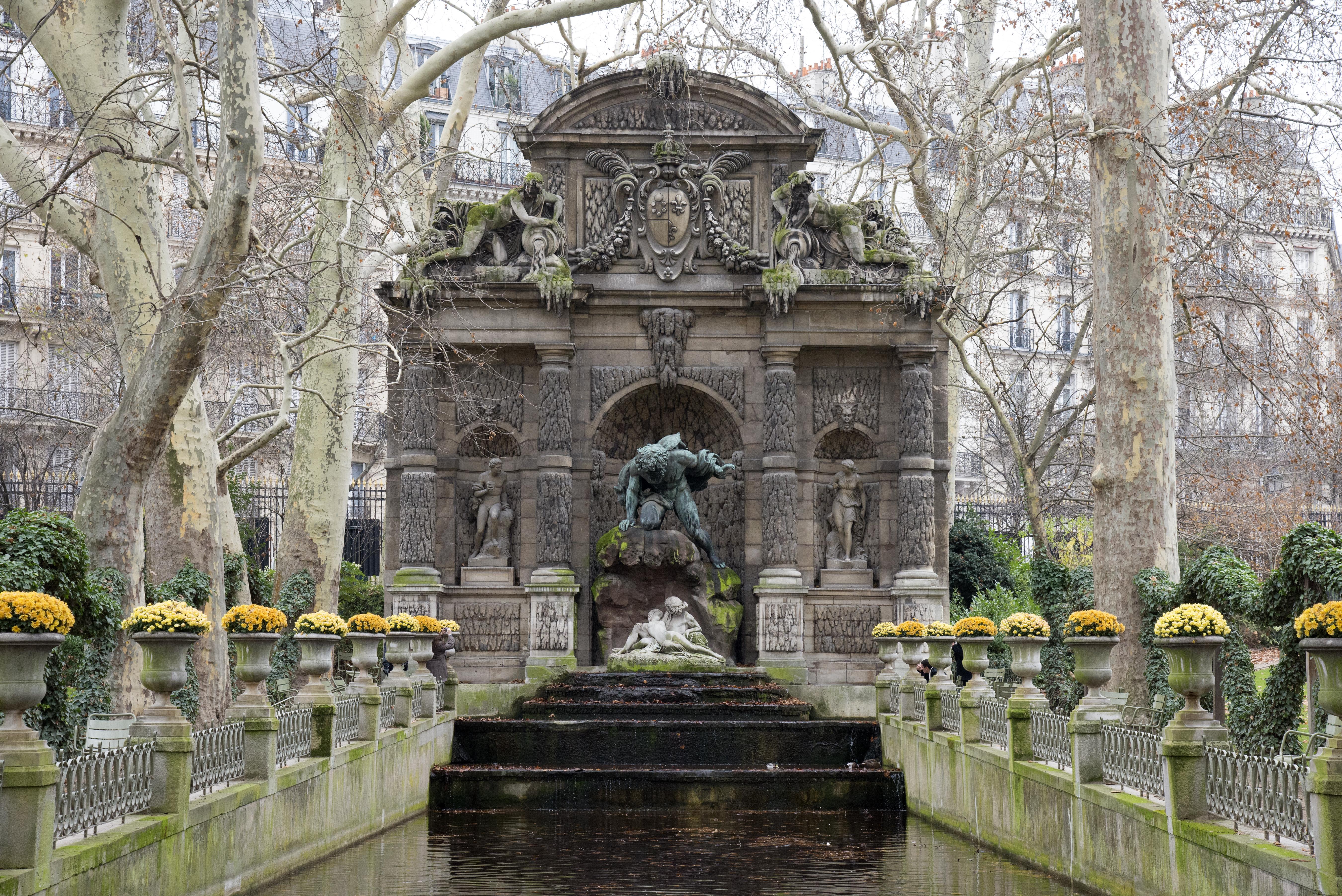 Medici Fountain - Paris - 0062